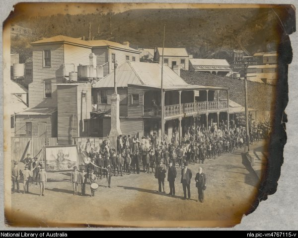 1901 parade walhalla celebrating austrlia's federation