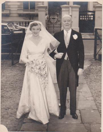 1956 joan rollason with Geoff rollason at wedding