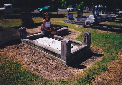 grave of magdaline W.C. Rau at Sherwood cemetery