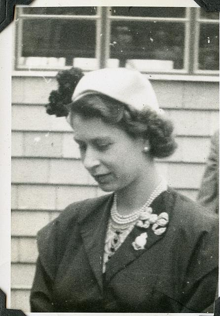 queen elizabeth at royal agricultural show