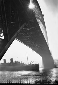 SS_Mooltan_passing_under_the_Sydney_Harbour_Bridge